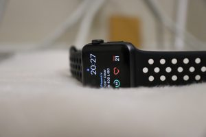 Smartwatch that monitors heart rate